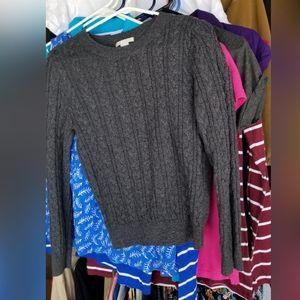 Sweaters - super cute sweater